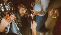 Что пить, если вы встречаете праздники за рубежом?
