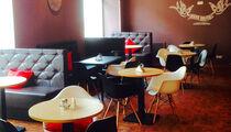Открытие: кафе «Free Hugs»