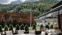 Летняя терраса в ресторане «Гостидзе» на Красной поляне