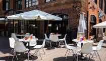 Летняя терраса заработала в кафе «Дружба. Мануфактура еды»