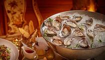 Новогодние и устричные бранчи в ресторане «Турандот»