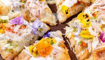 Международный женский день в пиццерии Scrocchiarella: фиалковая пицца в меню