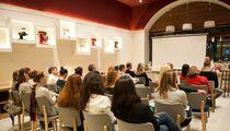 Еда как культурный феномен: Novikov School и «Синхронизация» проведут цикл лекций о еде