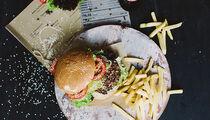 Бургеры-трансформеры в ресторане «Нож справа, вилка слева»