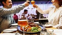 Обеденный ланч на шведском столе в ресторане-пивоварне «Bryggeri Helsinki»