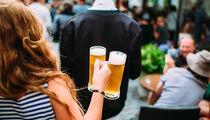 Новые летнее  меню и напитки на летней террасе  ресторана-пивоварни «Bryggeri Helsinki»