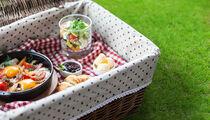 Завтрак на траве в «Бочке»