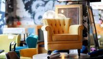 Секонд-хенд эксклюзивной мебели «Fucking Chairs» устроят в ресторане «The Oriental Club»