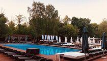 The бассейн