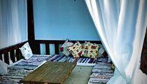 Absolem Lounge