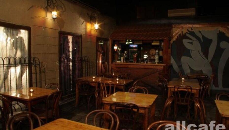 Москва парижская жизнь клуб какие ночные клубы в москве работают сегодня