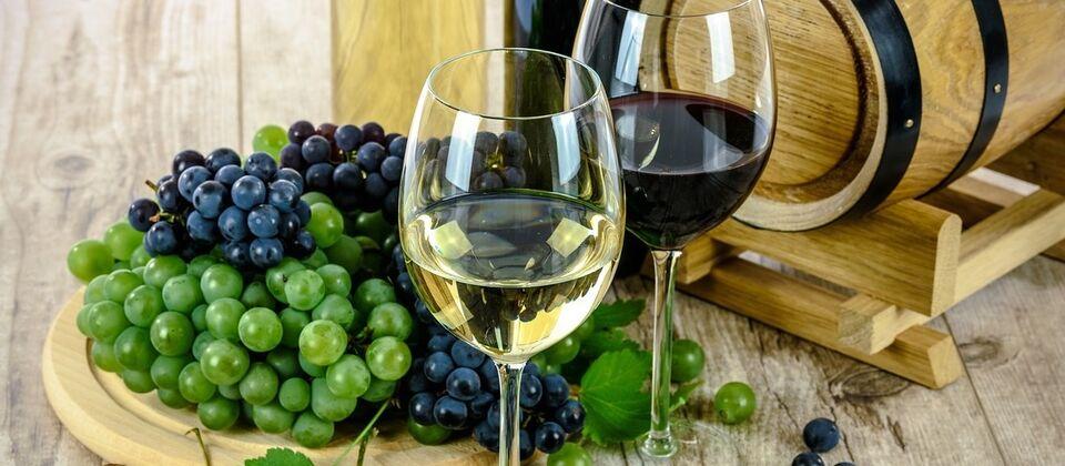 Винотеки и винные бары в Санкт-Петербурге
