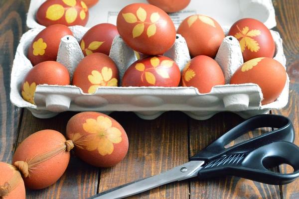 Узоры на пасхальных яйцах