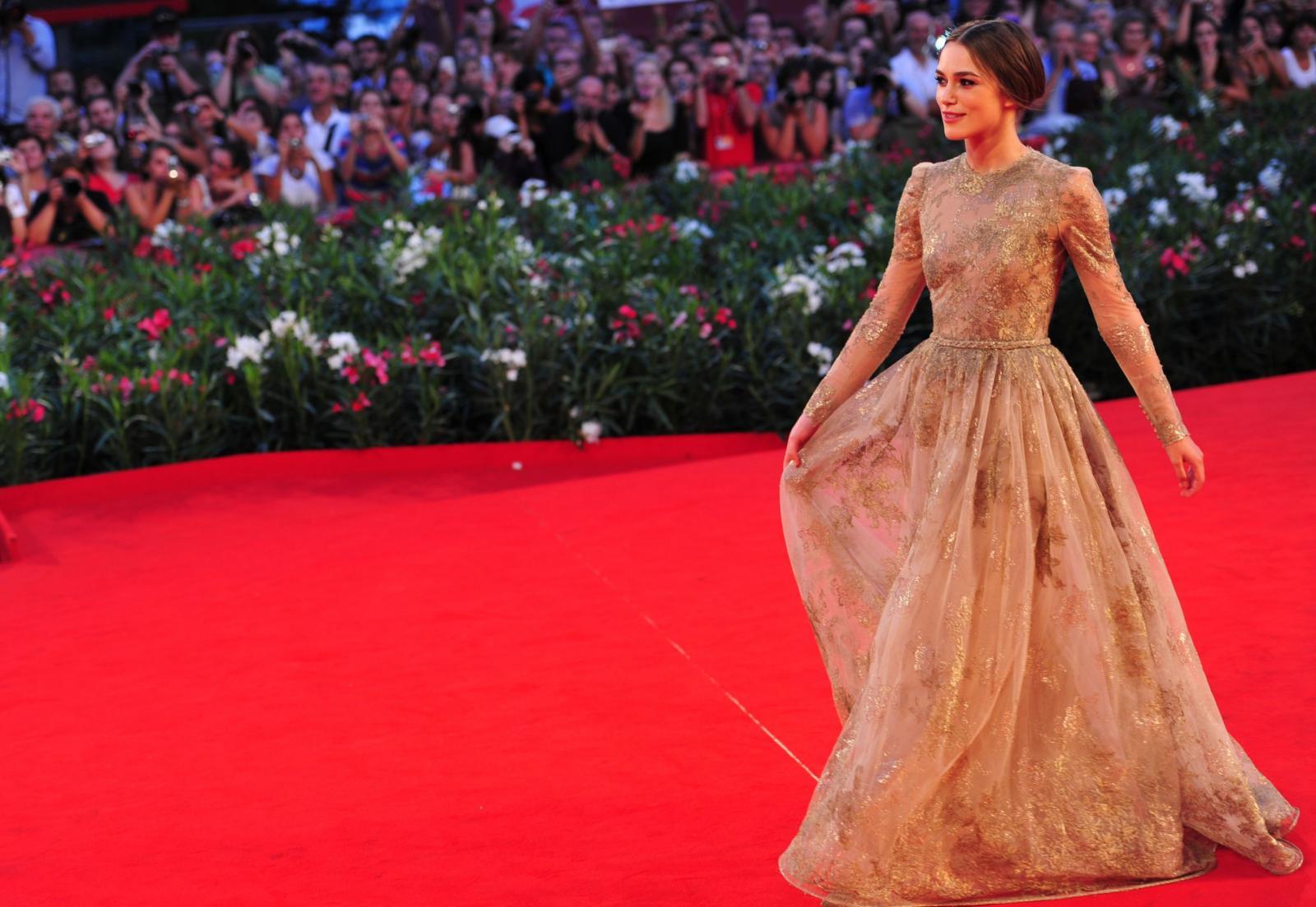 Голливудская актриса Кира Найтли на красной дорожке