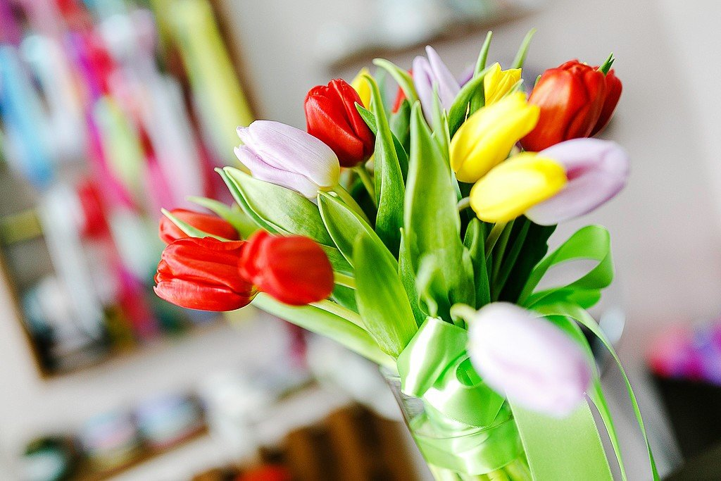 8 марта тюльпаны