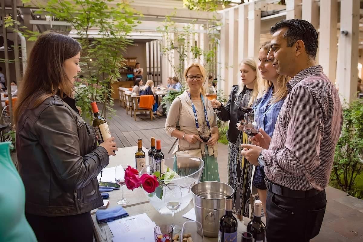 Ресторан «Простые вещи New Vintage» запускает фестивальную карту вин