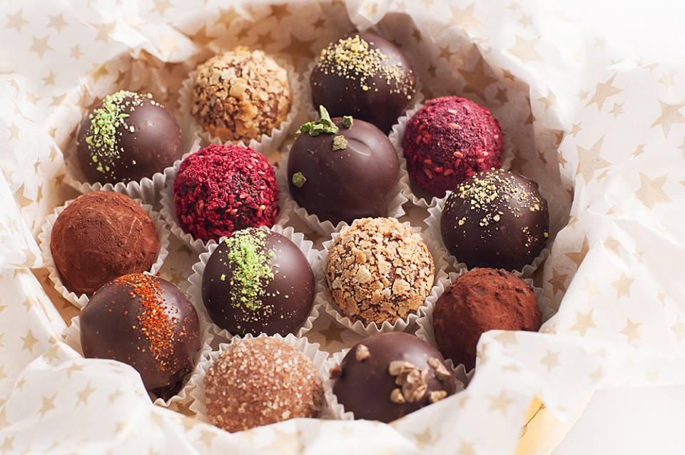 Идея оформления шоколадных конфет на 14 февраля