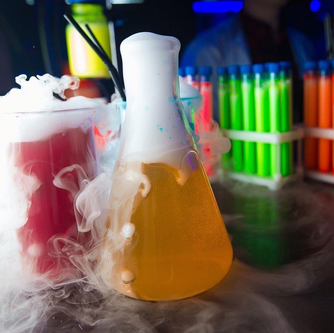 Дымящиеся напитки на Марата 35