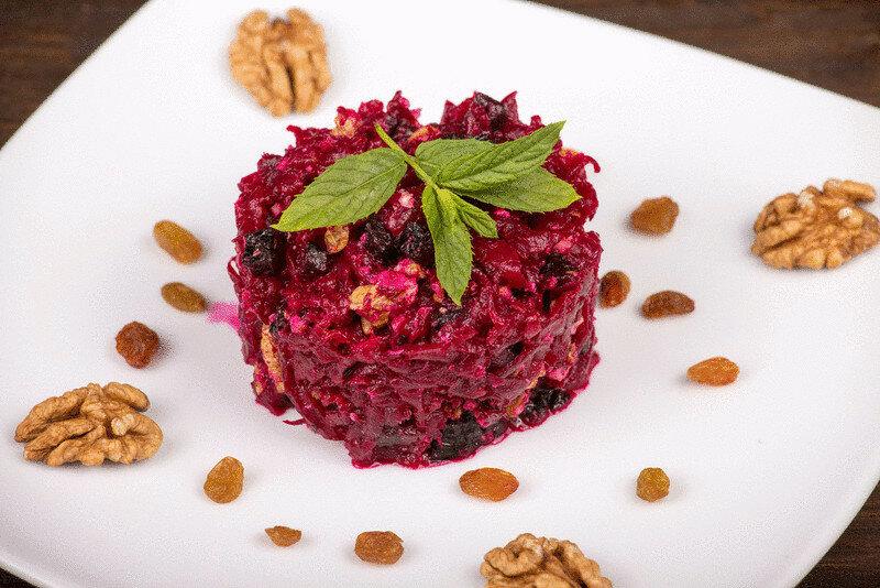 Свекольный салат с черносливом рецепты и фото